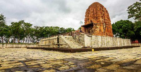 गंधेश्वर महादेव का मंदिर
